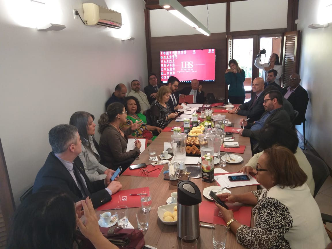 Entidades entregam à OIT denúncia contra governo brasileiro por violação de direitos trabalhistas