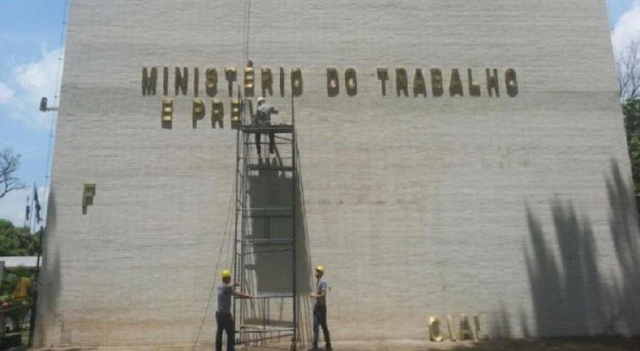 Extinção do Ministério do Trabalho consolida agenda de retrocessos do novo governo
