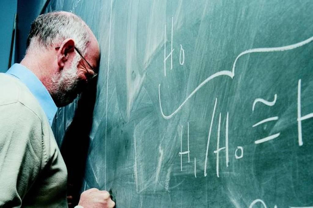 Brasil é o país que menos valoriza professores, diz estudo; China lidera