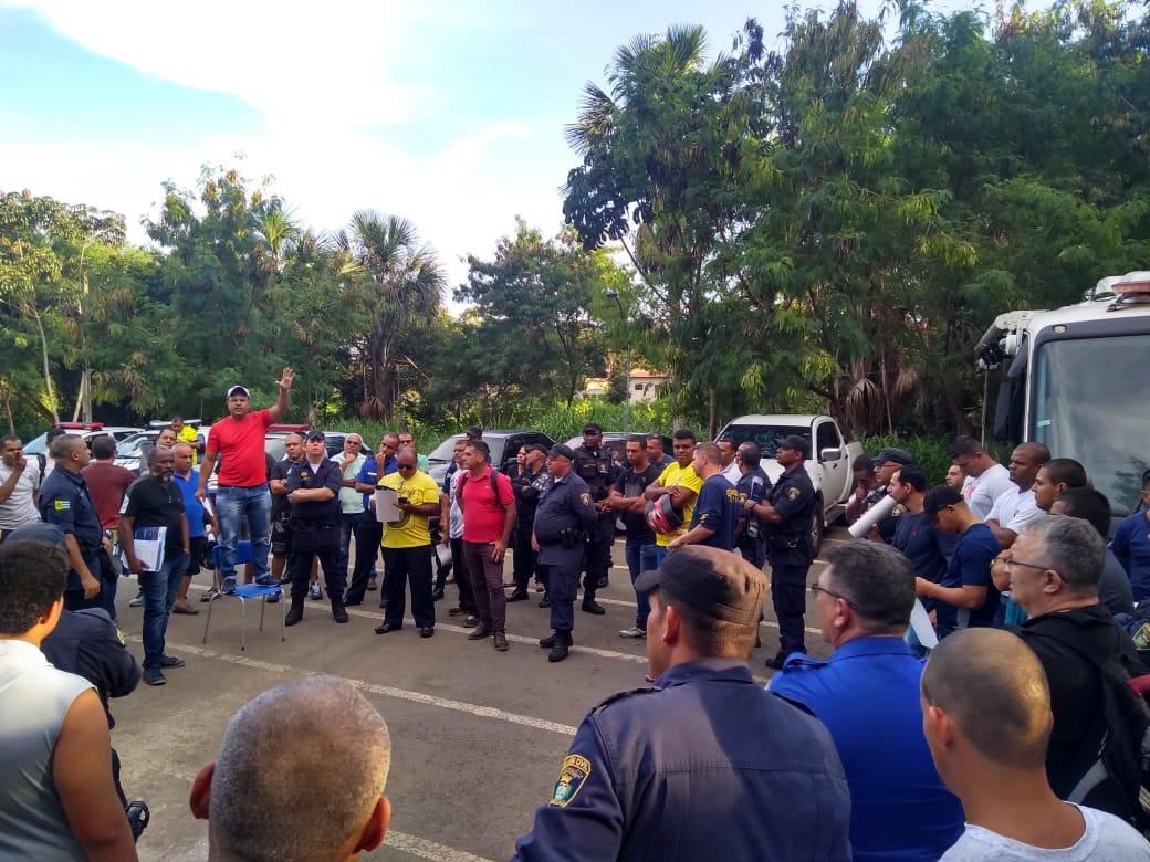 Após um ano de luta, guardas civis municipais de Aparecida de Goiânia conquistam reajuste dobrado de salário