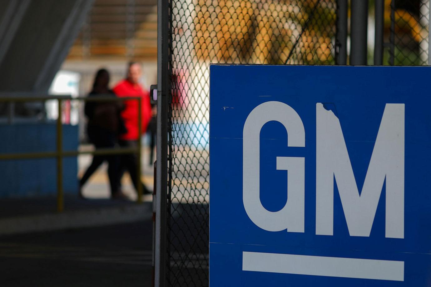 GM quer retirar direitos de trabalhadores para manter investimento em S. J. dos Campos