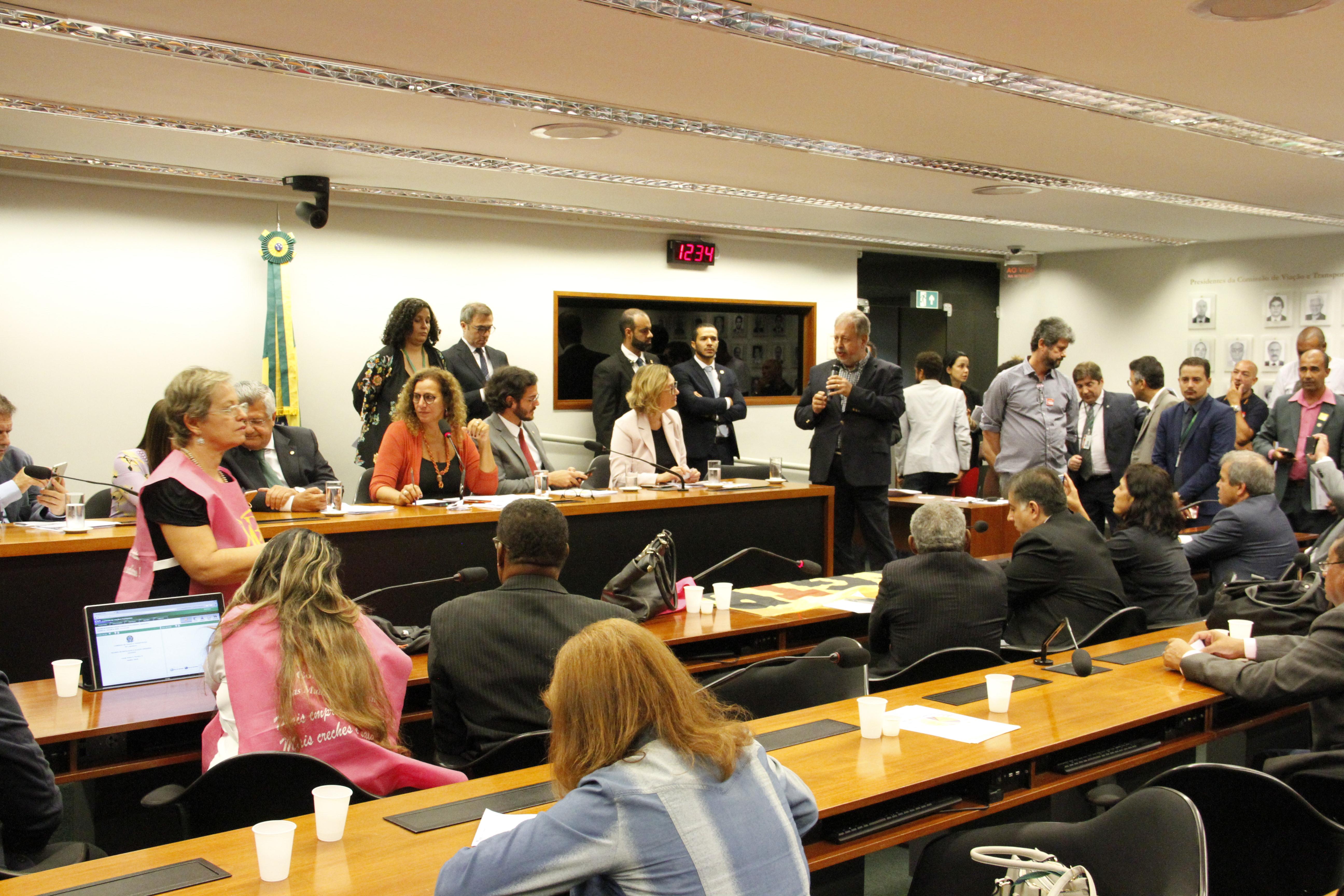 Em reunião com o Bloco das Minorias na Câmara, CSB critica reforma da Previdência e MP da contribuição sindical