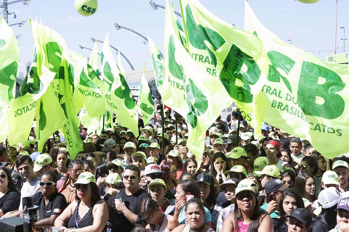 1º de Maio Unificado das centrais acontece na Praça da República, em São Paulo