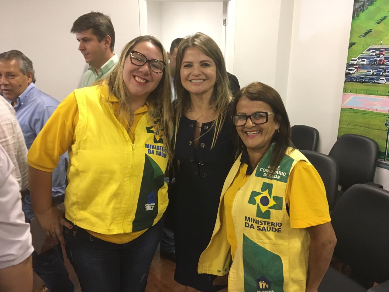 Em reunião, governador de Goiás reconhece importância dos agentes comunitários de saúde