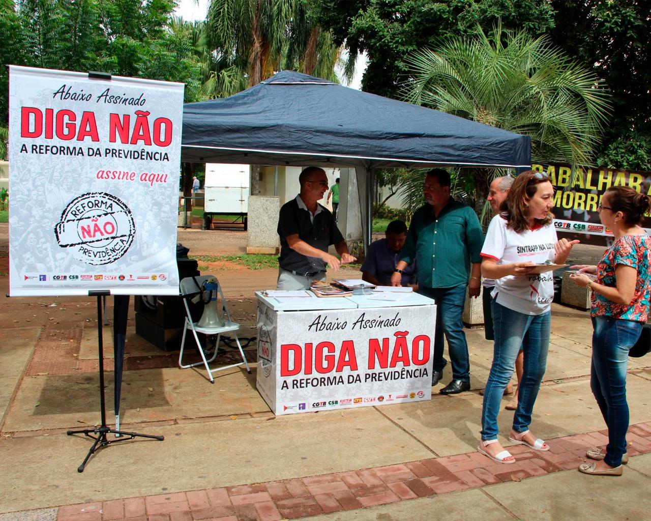 População apoia abaixo-assinado contra a reforma da Previdência