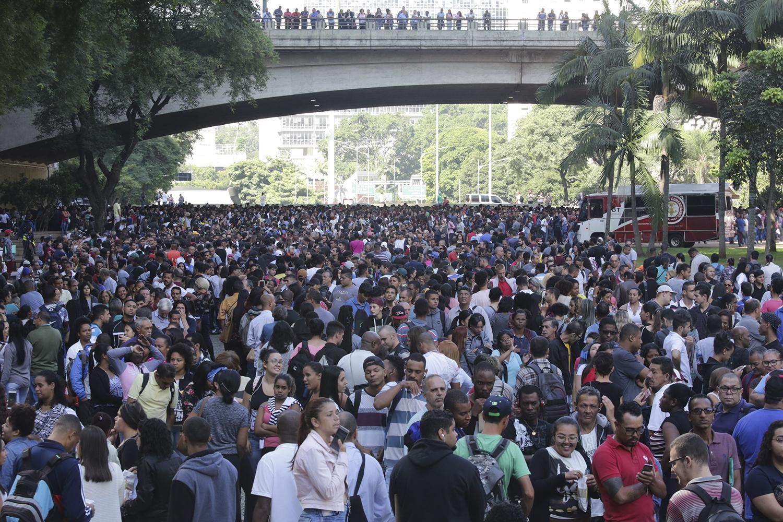Desemprego sobe para 12,7% em março e atinge 13,4 milhões de brasileiros