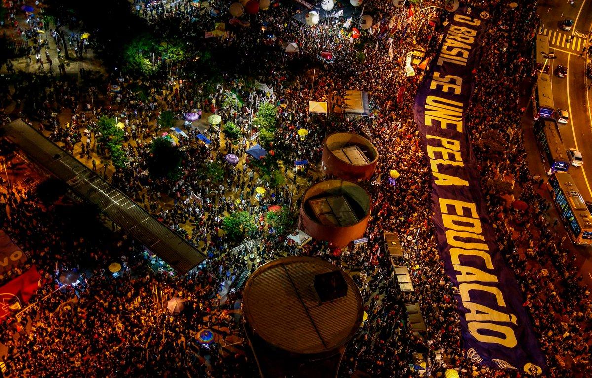 30M: Em defesa da educação, brasileiros voltam às ruas do Brasil