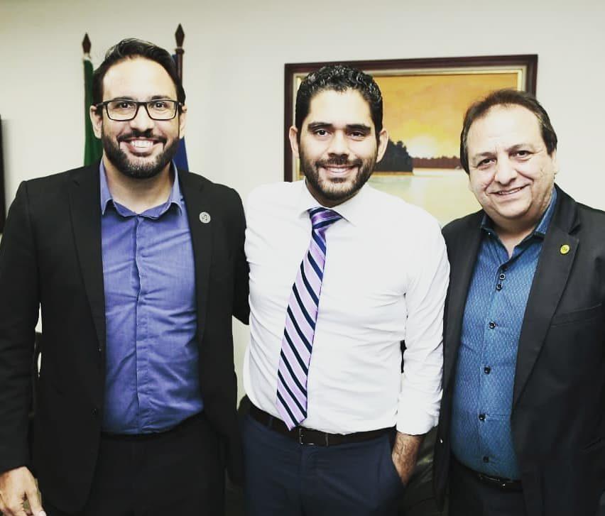 Seccional da CSB entrega a vice-governador de Goiás documento com iniciativas para superar os desafios da gestão