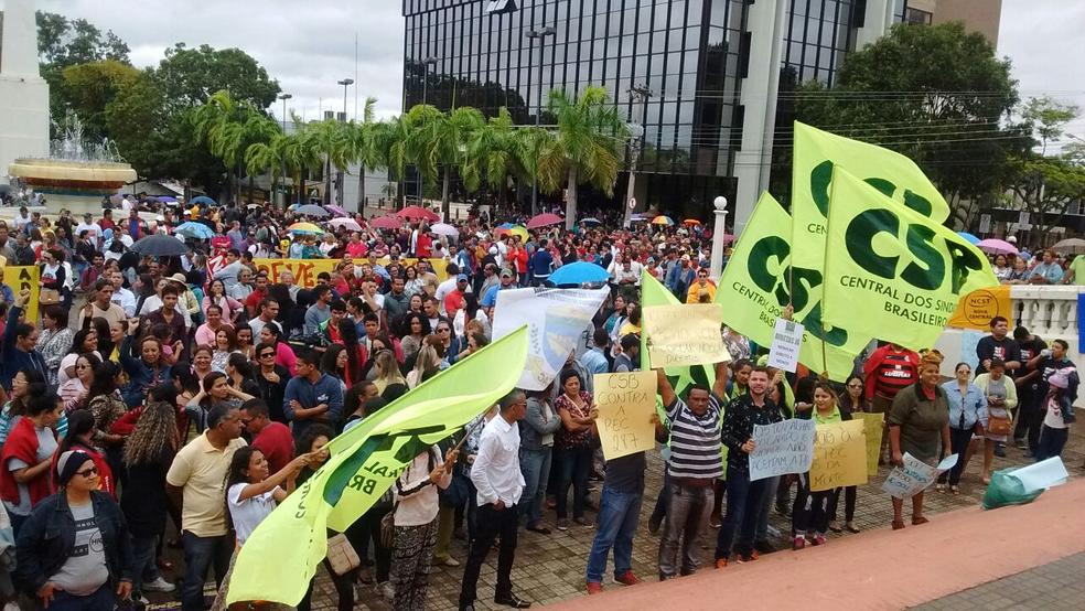 """Greve dos professores: """"Se um governo não pensar na educação, o Brasil não cresce"""""""