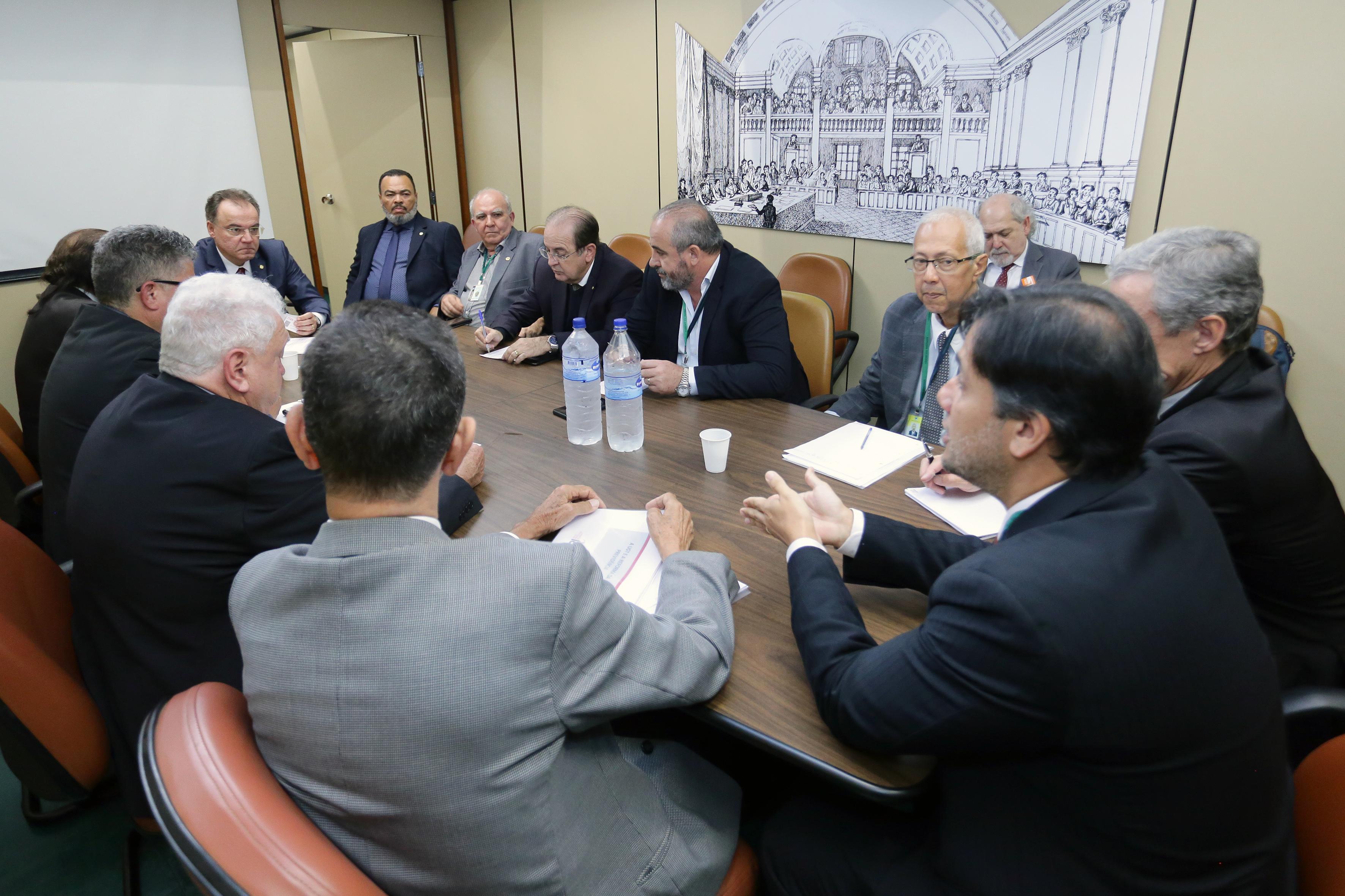 Em reunião com relator da reforma da Previdência, CSB questiona capitalização de Paulo Guedes