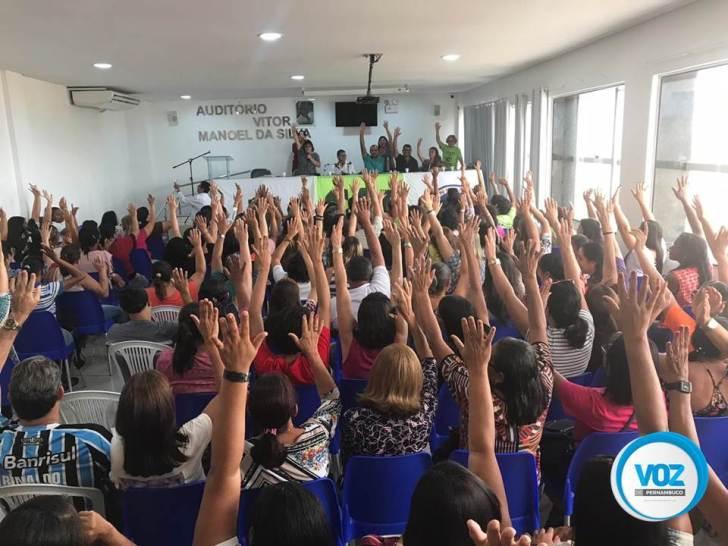 Professores de Carpina entram em greve a partir de julho