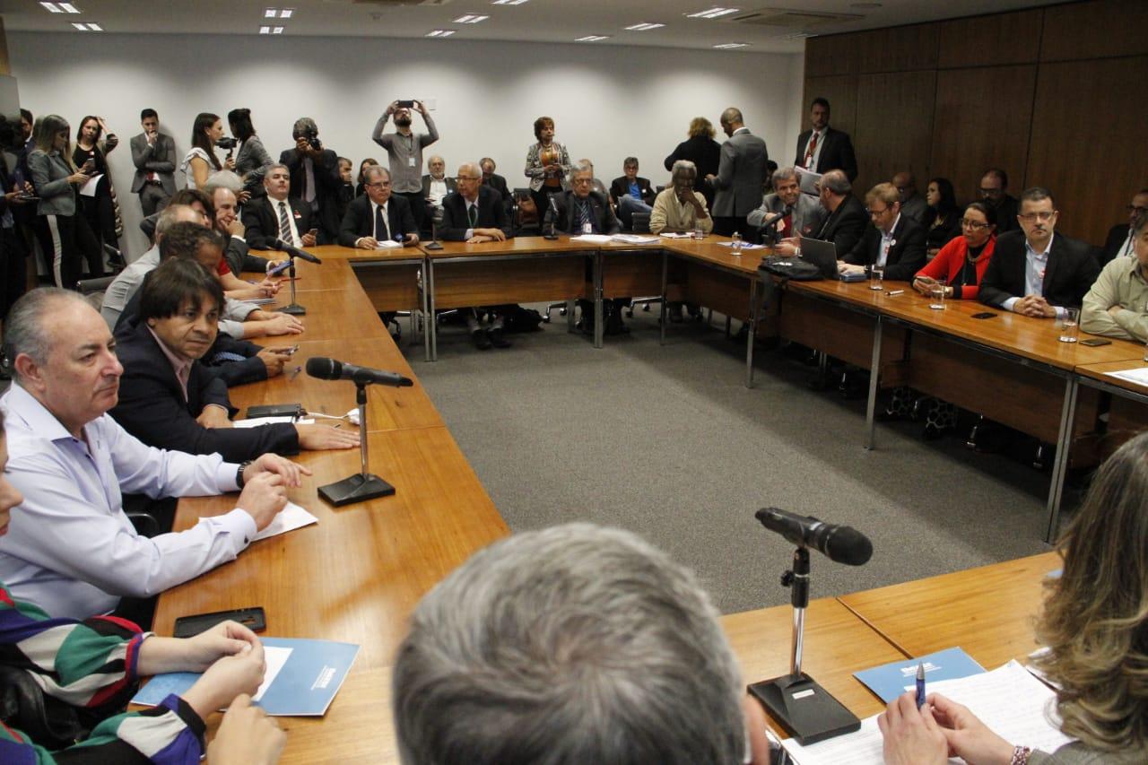 Centrais e oposição articulam adiamento de votação do relatório da reforma da Previdência