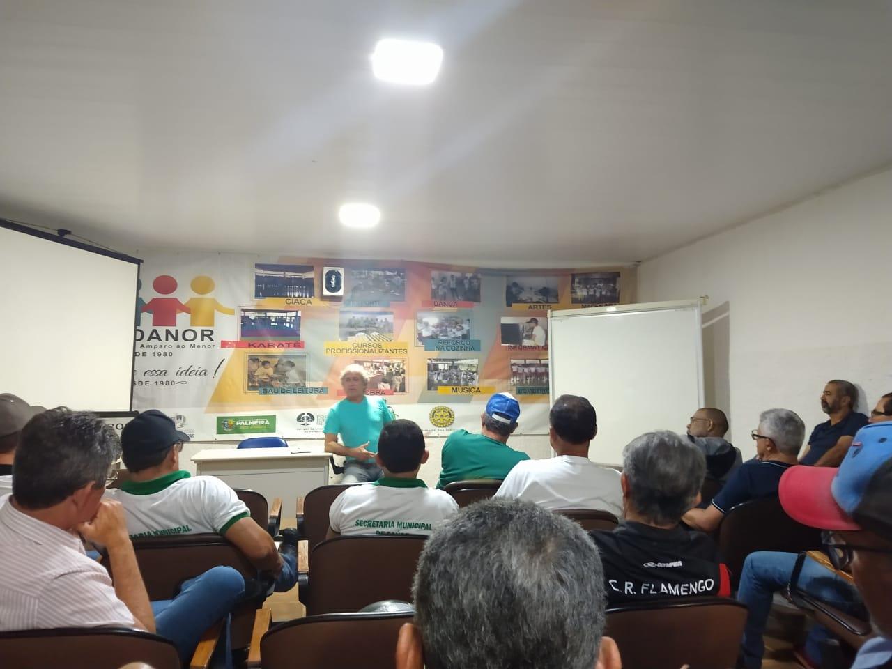 Servidores públicos de Alagoas se reúnem para discutir questões da categoria