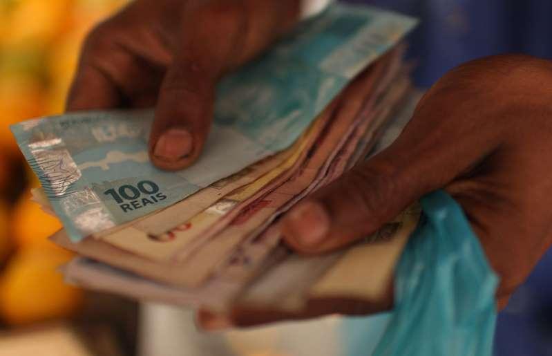Congresso aprova texto-base do Orçamento 2020 com previsão de salário mínimo de R$ 1.039