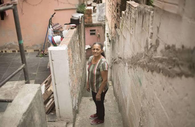 Viver com 413 reais ao mês, a realidade de metade do Brasil