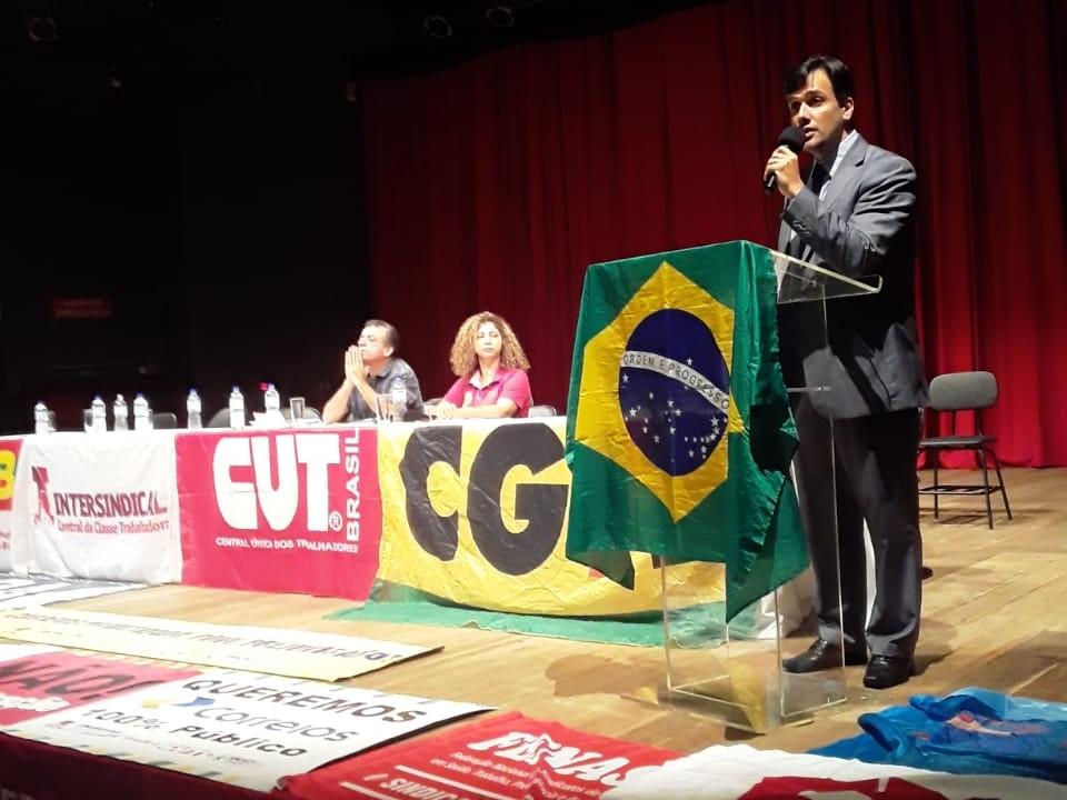 Centrais sindicais se reúnem em defesa dos funcionários públicos
