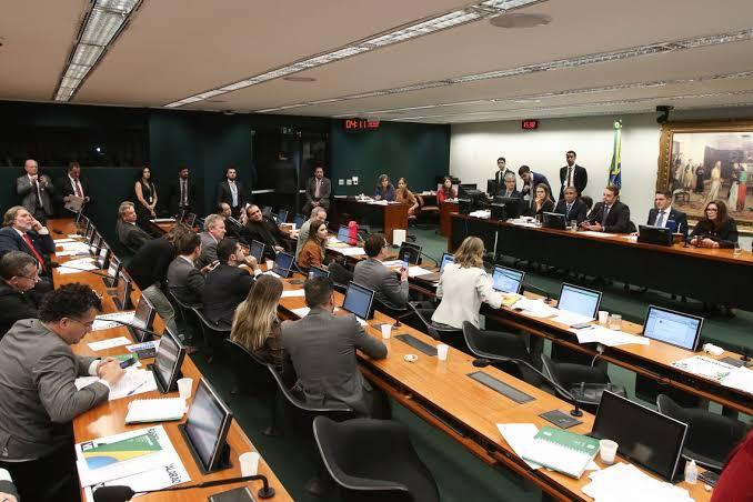 PEC 196/19 da Reforma Sindical está na pauta da CCJ; com parecer pela admissibilidade