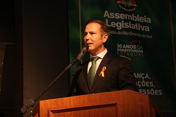 Presidente da Assembleia defende retirada de pedido de urgência de pacote