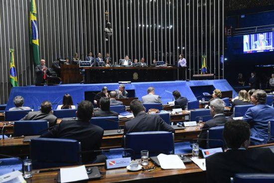 Reforma deve priorizar contratação pela CLT nos órgãos públicos, afirma estudo do Senado