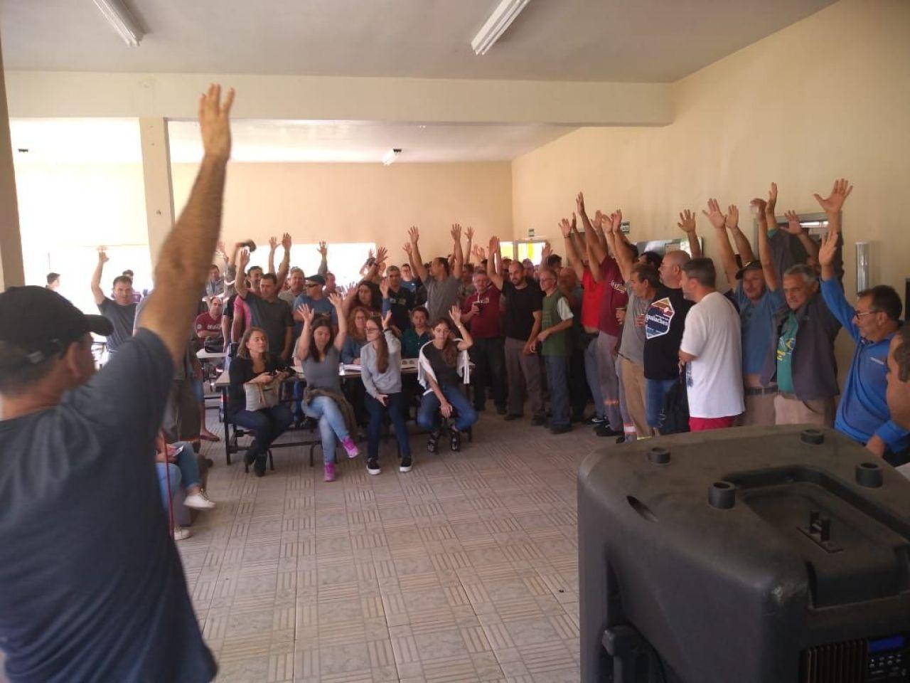 Mineiros de Candiota, no Rio Grande do Sul, realizam assembleia e decidem entrar em greve