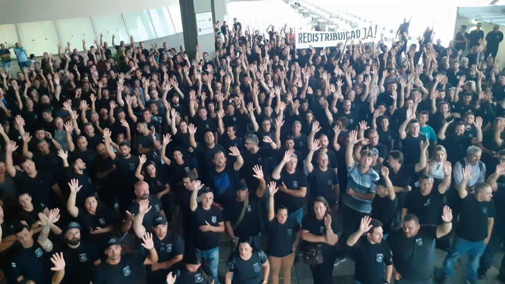 Agentes penitenciários de Santa Catarina farão assembleia e podem decidir por greve