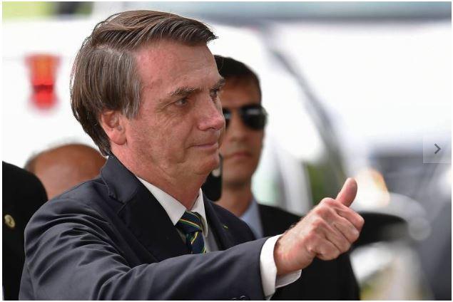 Ministros pedem a Bolsonaro apoio do centrão a privatização em troca de cargos