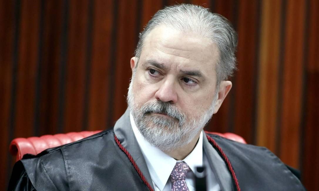 Regime de jornada 12/36h por acordo individual é inconstitucional, diz Aras