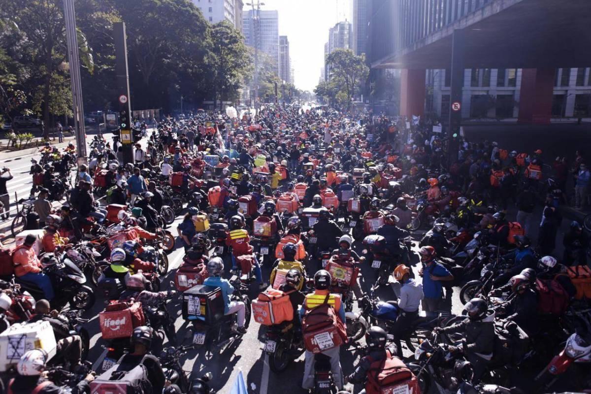 Entregadores de aplicativo organizam segunda greve geral neste sábado