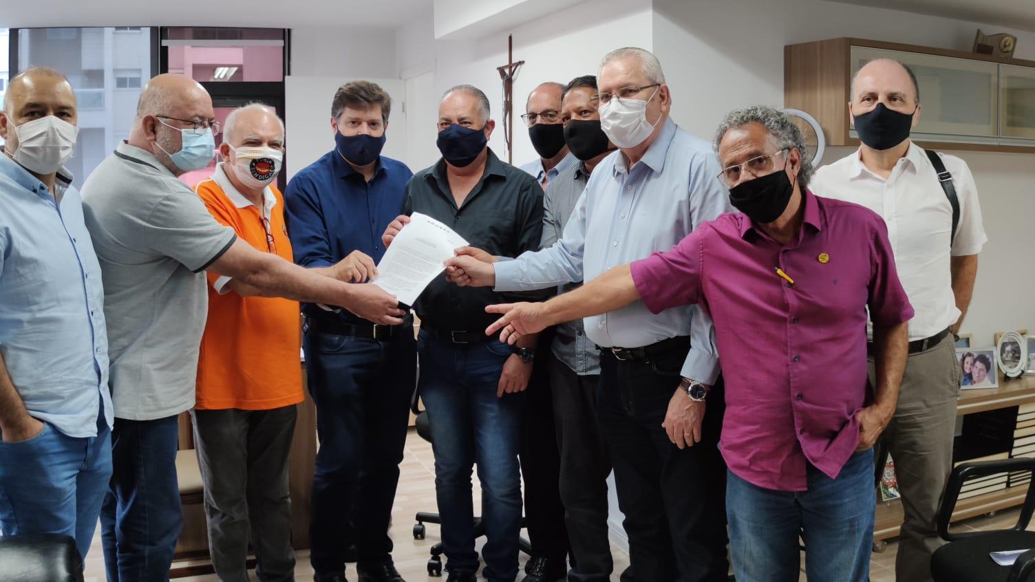 Em reunião com Baleia Rossi, Centrais Sindicais defendem Câmara independente e em defesa dos trabalhadores