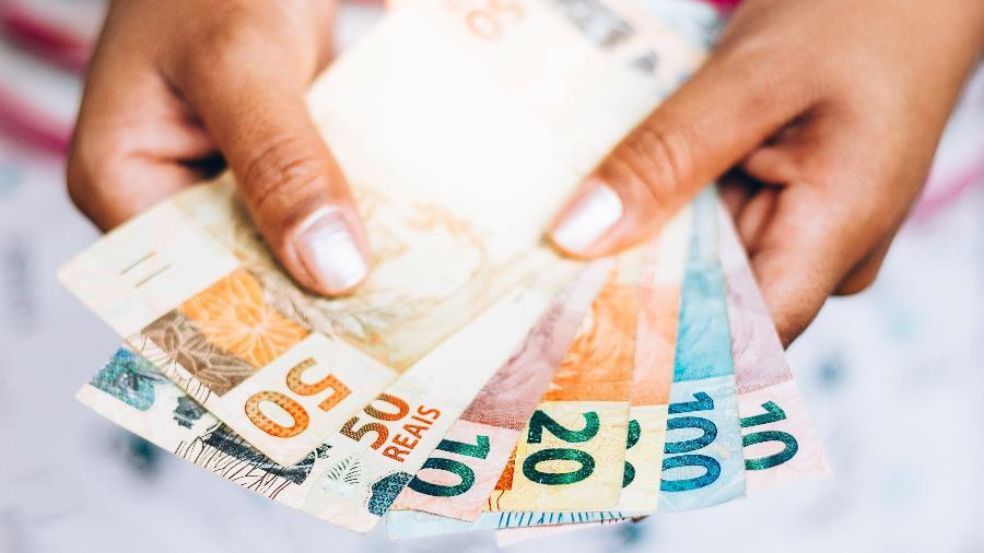 Salário mínimo em dezembro deveria ter sido de R$ 5.304,90, diz Dieese