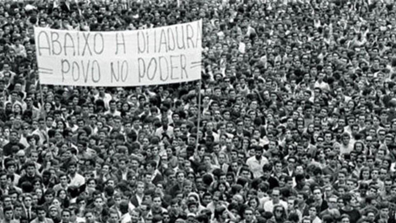"""Centrais sindicais divulgam manifesto: """"Ditadura nunca mais!"""""""