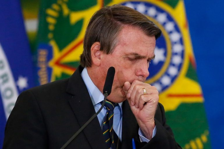 Ação genocida de Bolsonaro faz Câmara aprovar Lei Titanic