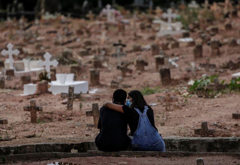 Governo deixou de gastar 80,7 bilhões de reais destinados à pandemia em 2020, diz estudo