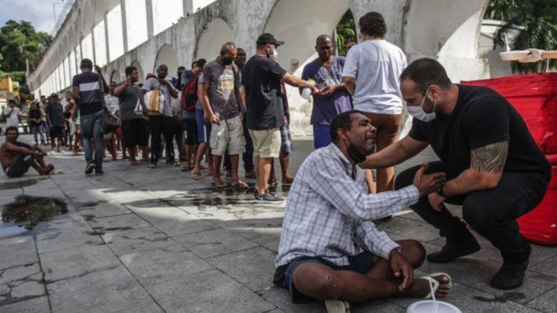 Como a fome deixa 19 milhões de brasileiros mais vulneráveis à covid-19: 'Não há sistema imune que resista'