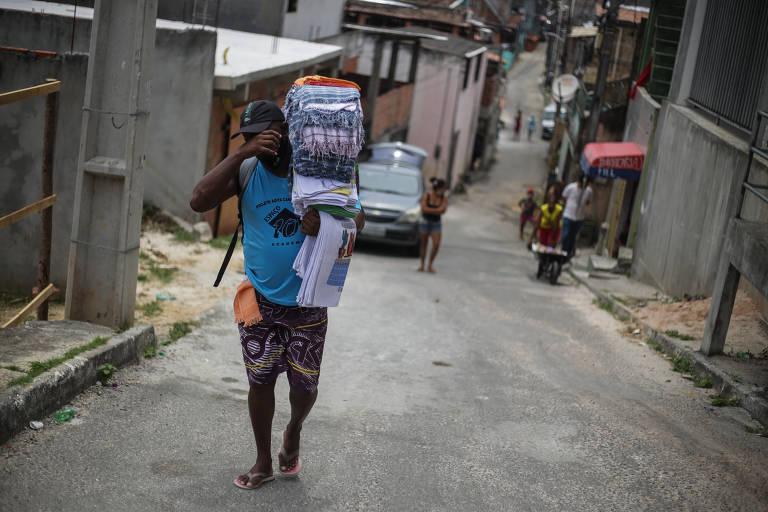 Desigualdade bate recorde na pandemia e renda média cai a pior nível desde 2012
