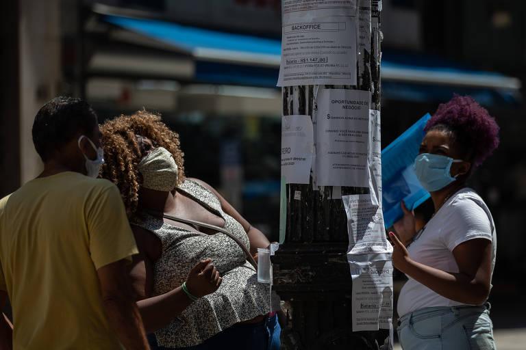 Sem perspectivas, metade dos jovens quer deixar Brasil segundo o Datafolha