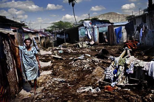 Pandemia empurra 4,3 milhões para renda muito baixa nas metrópoles