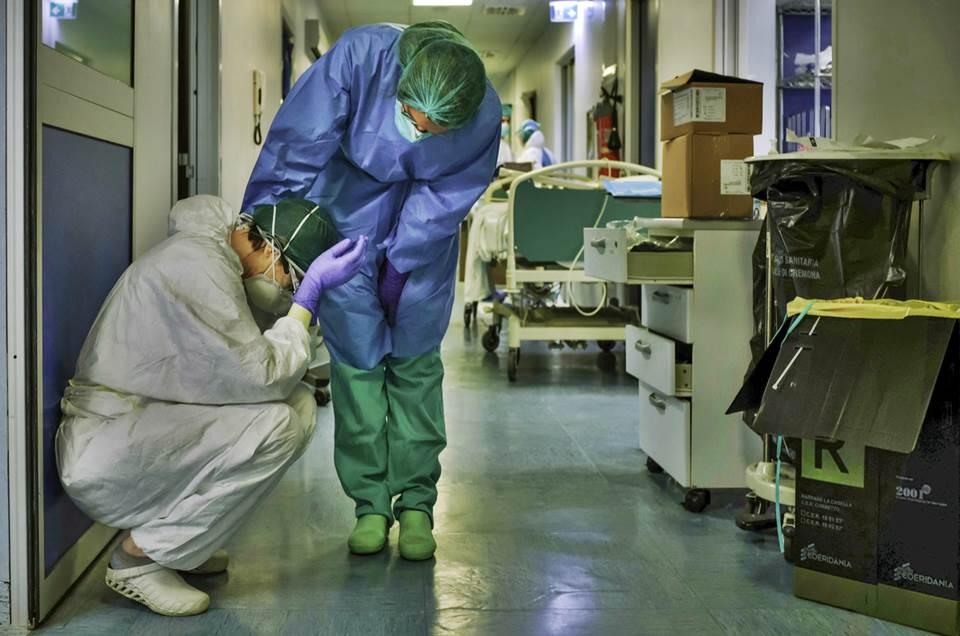 No Dia Nacional da Saúde, profissionais de enfermagem realizam ato exigindo aprovação de piso da categoria