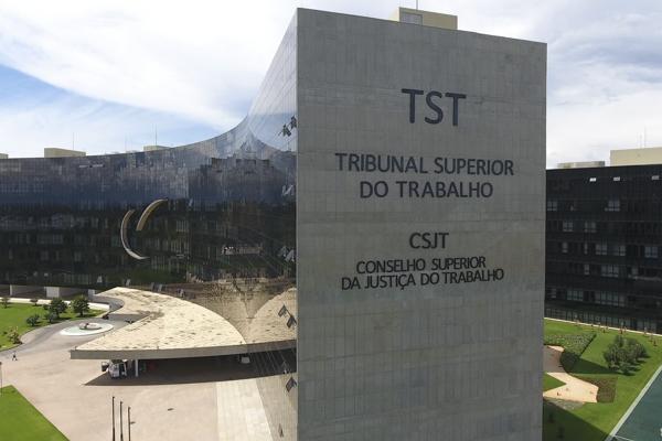 Em entrevista ao Valor Econômico, Ministro do TST defende fortalecimento de sindicato